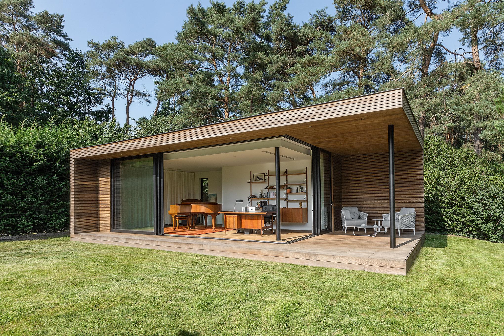 Contemporary Garden Office With Covered Patio Bonheiden